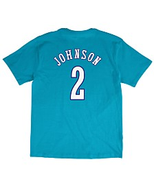 Mitchell & Ness Men's Larry Johnson Charlotte Hornets Hardwood Classic Player T-Shirt