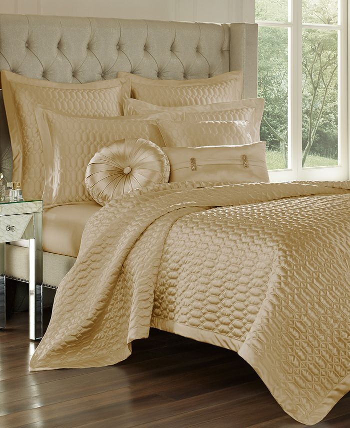 J Queen New York - Satinique Quilted King Coverlet