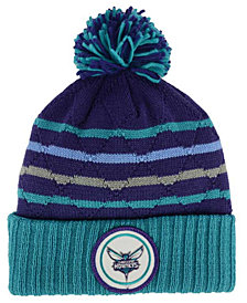 Mitchell & Ness Charlotte Hornets Quilted Hi Five Knit Hat