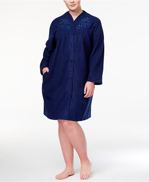 Miss Elaine Plus Size Short Embroidered Snap-Front Robe - Bras ... 4be3c5043