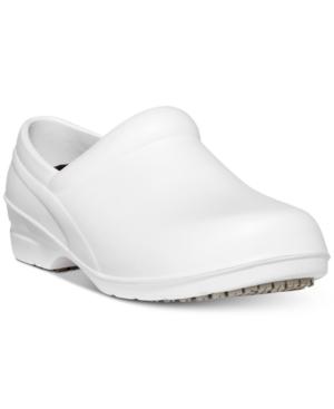 Easy Works by Easy Street Kris Slip-Resistant Clogs Women's Shoes