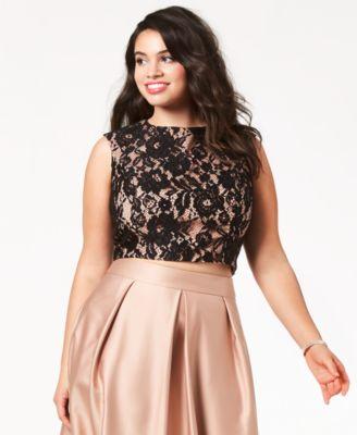 Trendy Plus Size Lace Crop Top