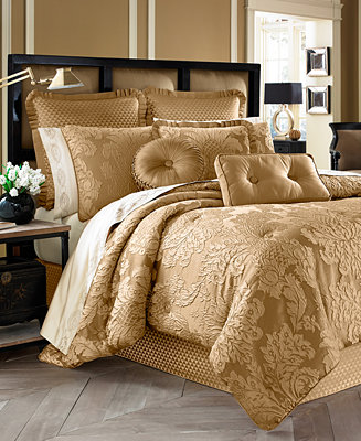 J Queen New York Concord 4 Pc Gold King Comforter Set
