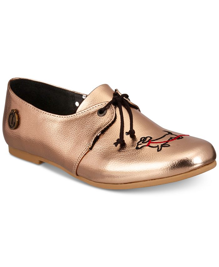 Loly in the sky - Oxfords with Dog Motif