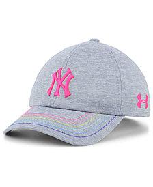 Under Armour Girls' New York Yankees Renegade Twist Cap