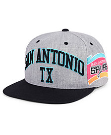 Mitchell & Ness San Antonio Spurs Side Panel Cropped Snapback Cap