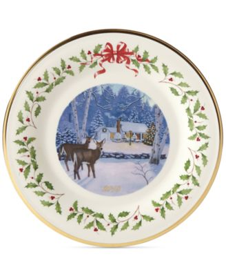 2018 Holiday Outdoor Cabin Forest Plate