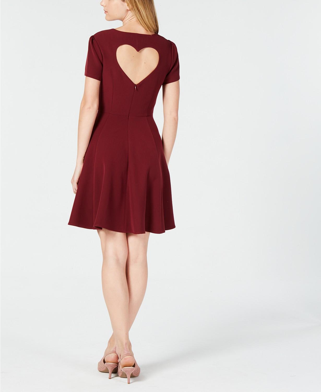 Stylish Fall Dresses - www.momwithcookies.com #falldresses #fallfashion #style #fallstyle #womensfashion #womansdresses #fallfashion2018 #fallfashionoutfits #fallfashiontrends