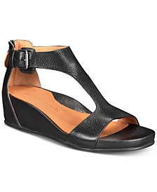 by Kenneth Cole Women's Gisele Wedge Sandals