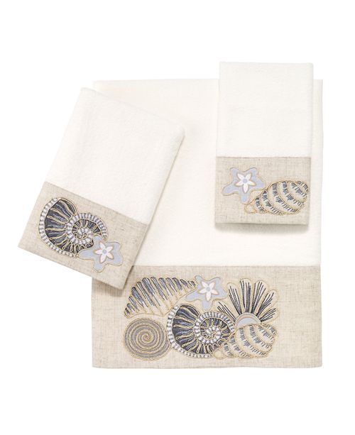 Avanti Shell Collection Embroidered Fingertip Towel
