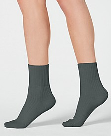 Smooth Lines Ribbed Crew Socks