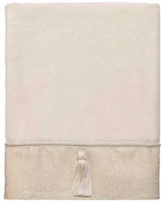 Manor Hill Bath Towel
