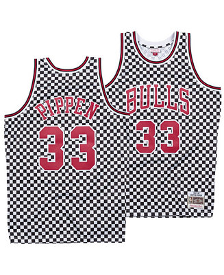online store d513a 647e6 Mitchell & Ness Men's Scottie Pippen Chicago Bulls ...