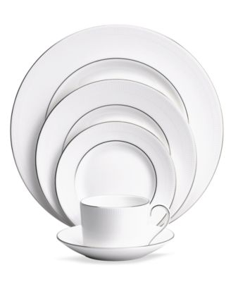 Dinnerware, Blanc sur Blanc 5 Piece Place Setting
