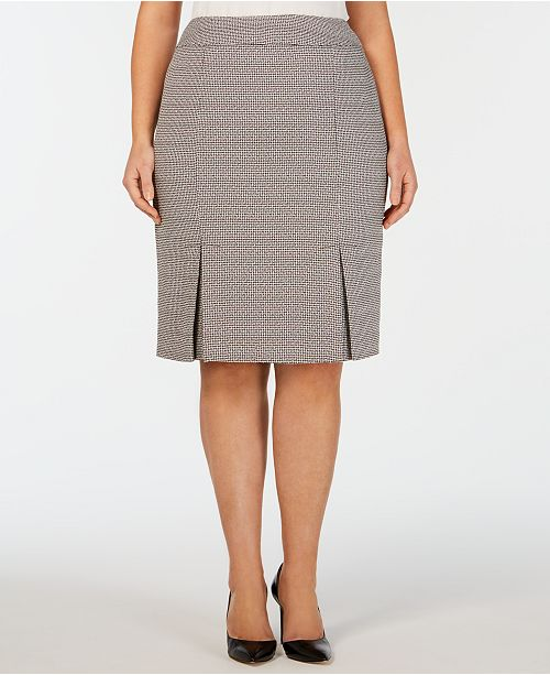 Kasper Plus Size Stretch Tweed Carwash Skirt