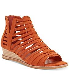 Vince Camuto Revey Flat Sandals