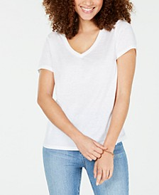 Juniors' Heathered V-Neck T-Shirt