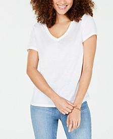 Juniors' Heathered V-Neck T-Shirt