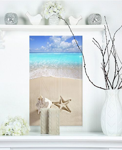 "Design Art Designart 'Caribbean Beach Starfish' Beach Photography Metal Wall Art - 12"" X 20"""