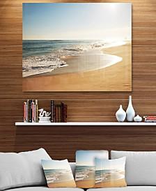 "Designart 'Wide Seashore With Crystal Waters' Modern Beach Metal Wall Art - 40"" X 30"""
