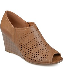Journee Collection Women's Britny Wedge