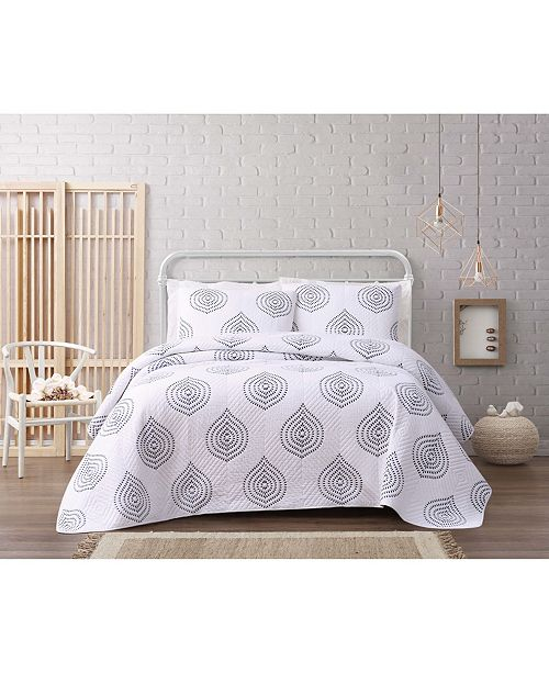 Cottage Classics Embroidered Ogee 3 Piece Full/Queen Quilt Set