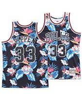2f3be4e2e69 Mitchell & Ness Men's Scottie Pippen Chicago Bulls Floral Swingman Jersey