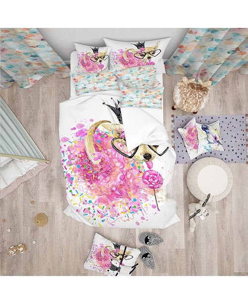 Design Art Designart 'Cute Dog With Crown And Glasses' Modern and Contemporary Duvet Cover Set - Queen