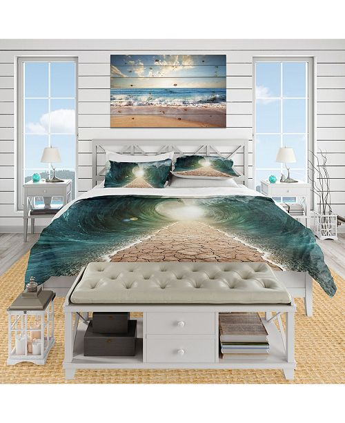 Design Art Designart 'Pathway Through The Parted Seas' Nautical and Coastal Duvet Cover Set - Twin