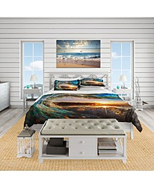 Designart 'Colored Ocean Waves Falling Down' Coastal Duvet Cover Set - Queen