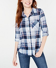 Juniors' Plaid Roll-Tab Shirt
