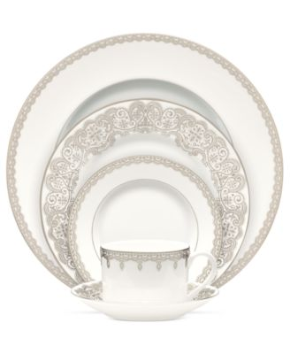 Lismore Lace Platinum Oval Vegetable Dish