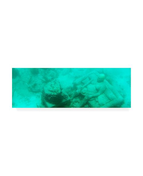 "Trademark Global Philippe Hugonnard Viva Mexico 2 Sculptures at bottom of sea in Cancun III Canvas Art - 19.5"" x 26"""