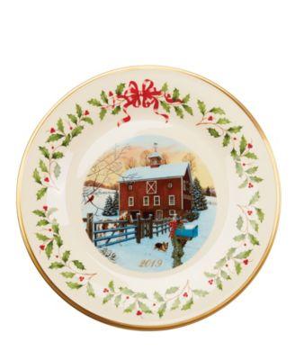 2019 Holiday Plate Barn Scene