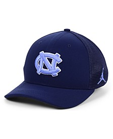 North Carolina Tar Heels Aerobill Swooshflex Stretch Fitted Cap