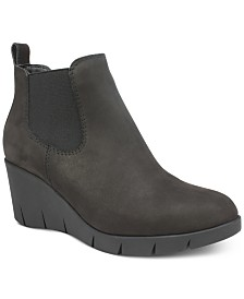 Cliffs by White Mountain Percy Wedge Booties