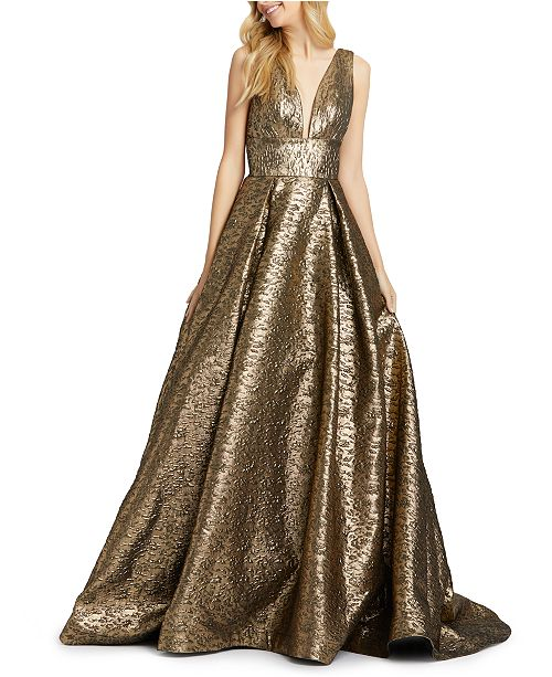 MAC DUGGAL Plunging V Gown