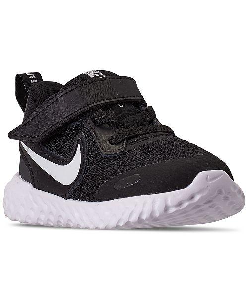 Nike Little Kids Revolution 5 Stay Put Closure Running
