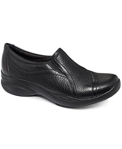 Clarks In Motion Kick Walking Shoes