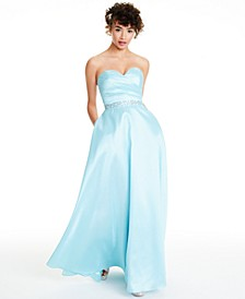Juniors' Strapless Sweetheart Gown