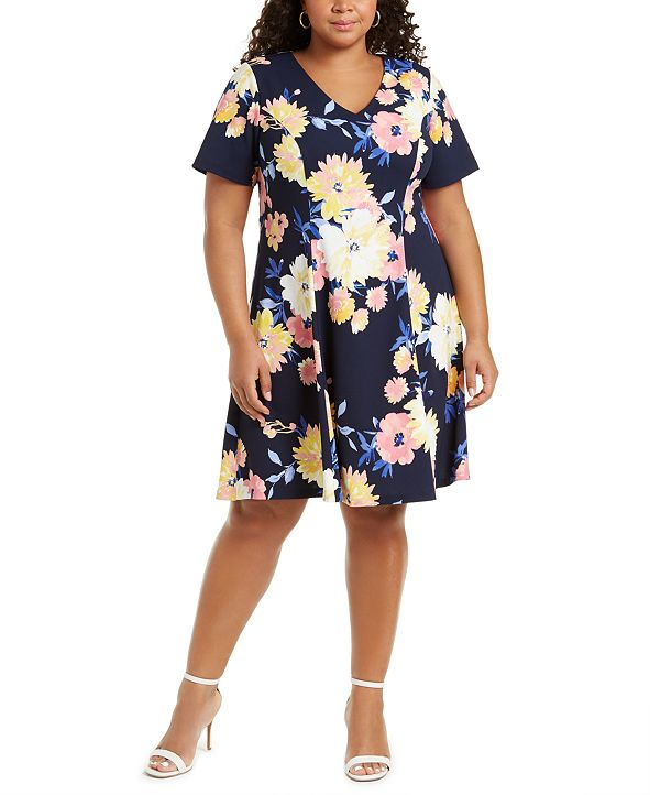 Jessica Howard Plus Size Printed V-Neck Dress