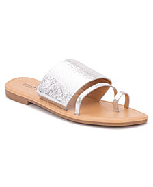 Olivia Miller on My Way Sandals