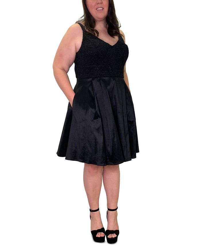 Emerald Sundae - Trendy Plus Size Lace-Top Fit & Flare Dress