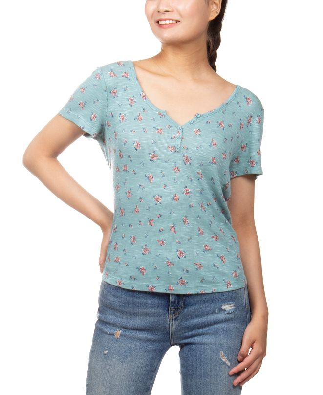 Hippie Rose Juniors' Floral-Print Henley-Neck Top