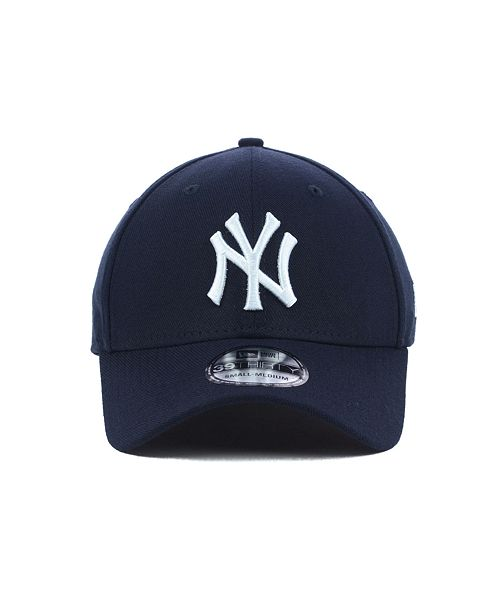 ... New Era New York Yankees MLB Team Classic 39THIRTY Stretch-Fitted Cap  ... e029df710c6
