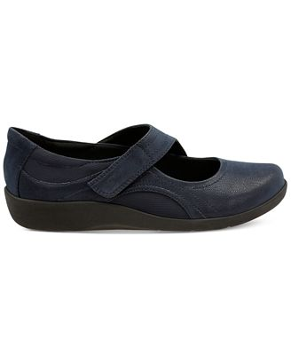 Clarks Cloudsteppers Sillian ... Bella Women's Shoes