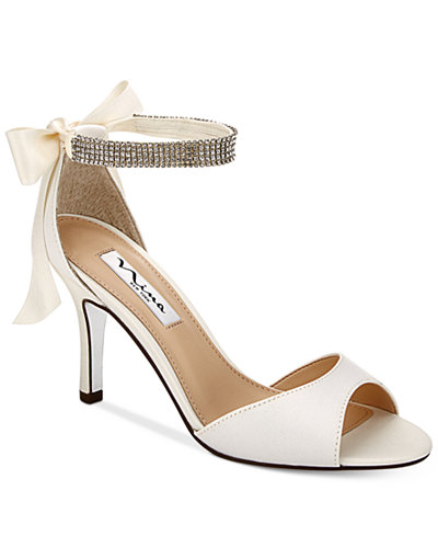 Nina Girls Sparkling Silver Shoes With Strap