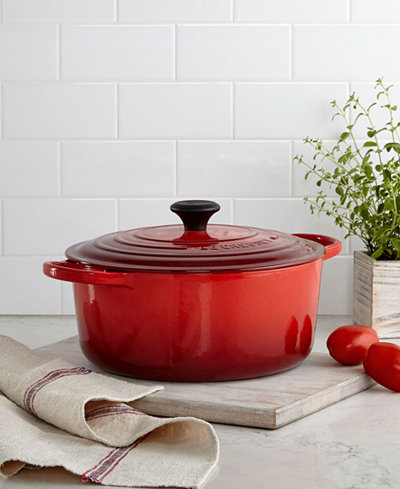 Le Creuset Signature Enameled Cast Iron 7 25 Qt Round French Oven