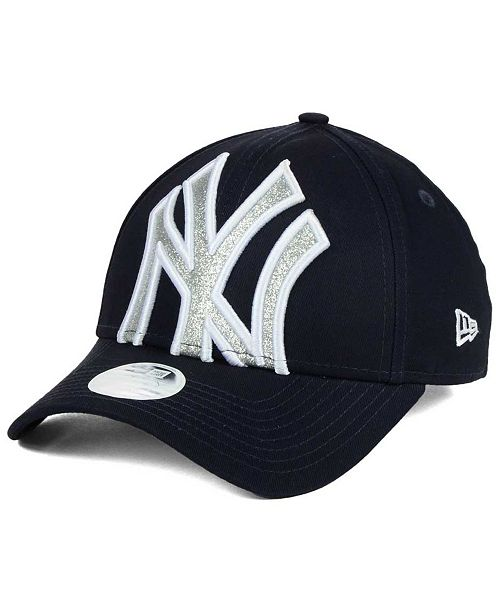 ... Strapback Cap  New Era Women s New York Yankees Glitter Glam 9FORTY  Strapback ... 6cf9e130c
