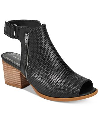 Bare Traps Ivey Dress Sandals